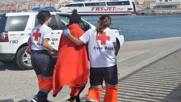 La recepción de los migrantes ha estado coordinada por la Cruz Roja