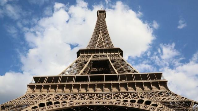 Paris/ Free Iran Gathering adds pressure to Mullahs along with Iran's unrest