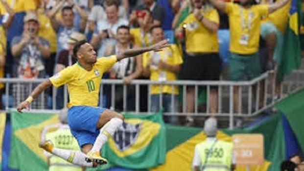 Neymar y Brasil avanzan a cuartos en Rusia 2018