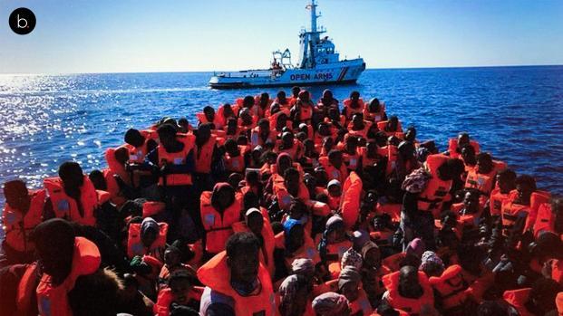 El gobierno autoriza que el Open Arms con 60 migrantes atraque en Barcelona