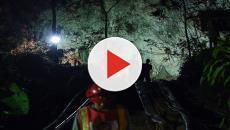Trovati vivi nella grotta in Thailandia, serviranno 4 mesi per tirarli fuori