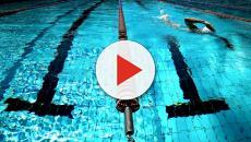 A Bologna, per le regionali di nuoto i genitori stanno fuori perché manca l'aria