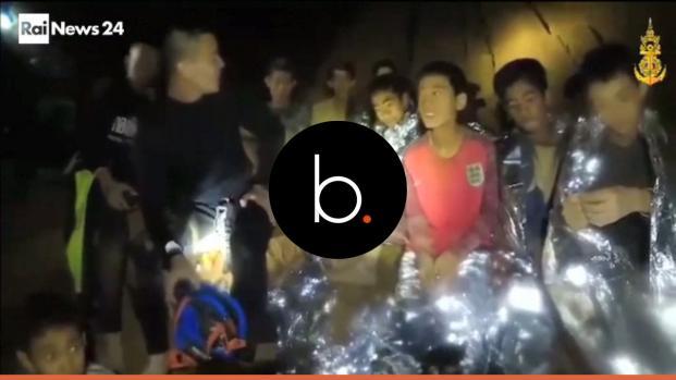 """Thailandia, messaggi dei giovani intrappolati nella grotta: """"Non preoccupatevi"""""""