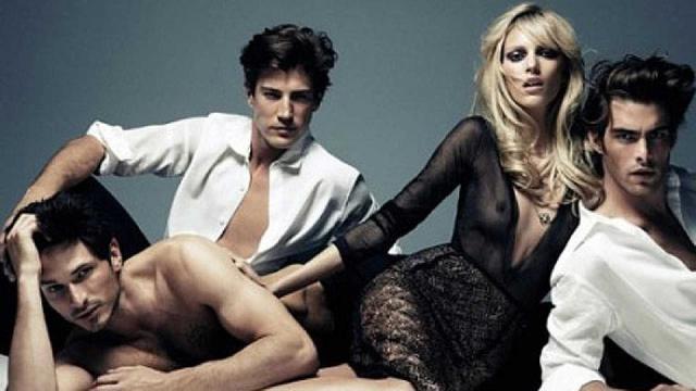 Andrés Velencoso coincidió con 3 de sus exnovias en los 30 años de Vogue
