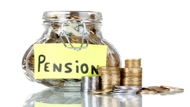 Pensioni, il governo pensa ai 42 anni di versamenti, a quota 100 e Opzione Donna