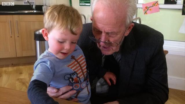 A incrível amizade entre um garotinho de 4 anos e um idoso de 91