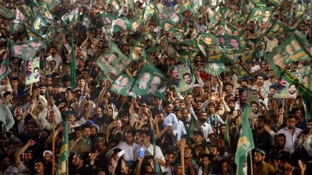 Pakistan elections: Imran Khan claims victory despite accusations of rigging