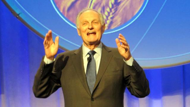'M*A*S*H' star Alan Alda has Parkinson's disease and a new blog