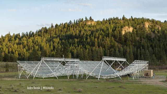Canada: Mysterious radio burst from deep space picked up by scientists