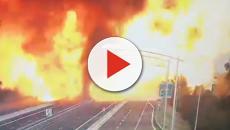 Bologna, esplosione in autostrada: 1 morto e 70 feriti