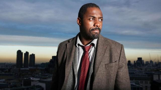 Idris Elba vuelve a encabezar la carrera para ser el nuevo James Bond