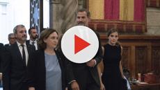 Ada Colau acusa a la monarquía de corrupta y carga contra Felipe VI