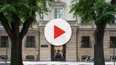 Mantova, adolescente schiacciato da monumento: sei indagati