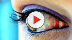 Gran Bretagna, vive 28 anni con una lente incastrata nell'occhio