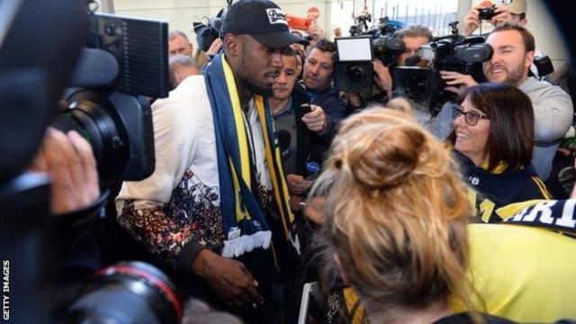 Usain Bolt arrives in Australia on football mission