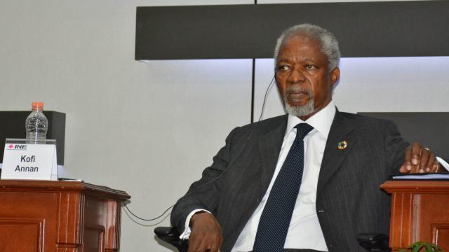 Reconocimiento a Kofi Annan por su papel en la paz de Angola