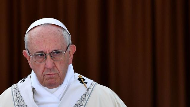 """El papa Francisco admite el """"fracaso"""" de la Iglesia ante los crímenes de abuso"""