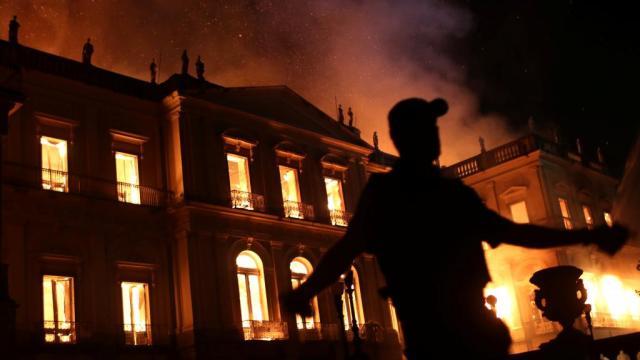 Le Musée national de Rio ravagé dans un incendie
