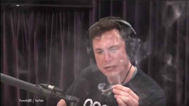 Elon Musk smokes weed, drinks whiskey and talks humanity's future with Joe Rogan