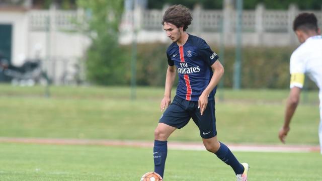 Le PSG prêt à tout pour retenir Yacine Adli dans le club