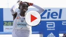 VIDEO: Eliud Kipchoge impone nuevo récord mundial en la maratón de Berlín