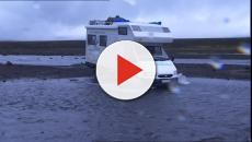 Tempesta in Irlanda e Inghilterra: donna muore precipitando da una scogliera