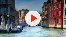 Tourists to be fined 500 euros for sitting in Venice