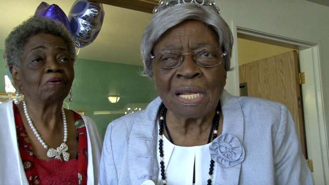 100-year-old woman takes a run to celebrate her birthday