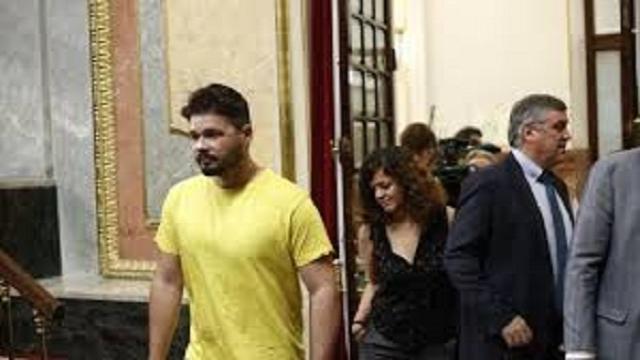 VIDEO: Tras recibir amenazas contra su hijo Rufián alerta a la Guardia Civil