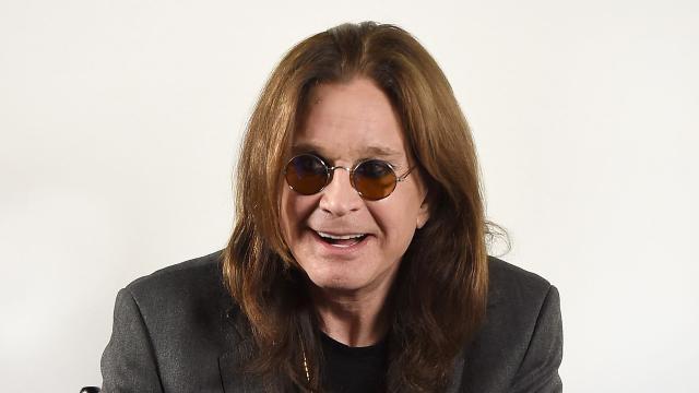 Ozzy Osbourne tem parte de dois dedos amputados