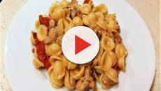 Orecchiette con funghi e salsiccia con pomodorini: la ricetta