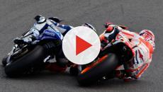 MotoGP, prima delle prove si è incendiata la moto di Rins davanti al box Suzuki