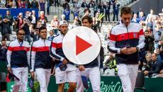 L'équipe de France de football soutient les tennismen français avant leur finale