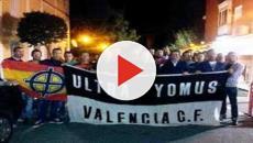 VIDEO: Ultras 'Yomus' del Valencia estuvieron esperando a la afición del Rayo