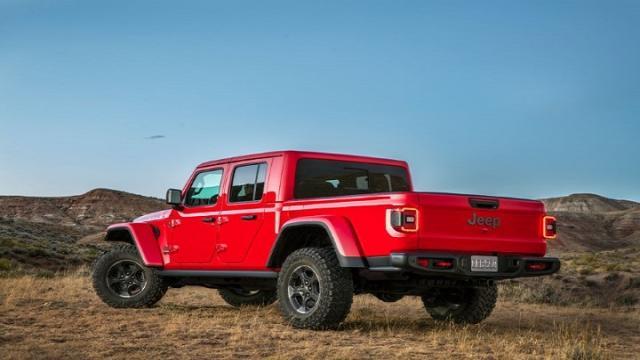 Jeep Gladiator, the Wrangler pickup truck, debuts at LA Auto Show