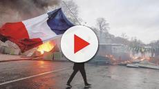 Francia, rivolta Gilet Gialli: ora l'Eliseo teme un golpe