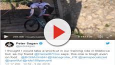 Ciclismo, Peter Sagan in ritiro in Spagna: sale una scalinata in sella alla bici