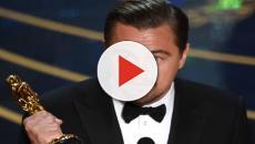 Gli regalano un Oscar ma è una truffa: Leonardo DiCaprio lo consegna all'FBI