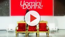 Uomini e Donne, anticipazioni 13/12: sorpresa per due fidanzati tra il pubblico