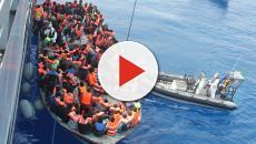 Migranti, Di Maio e Dibba all'attacco di Macron: 'Glieli portiamo a Marsiglia'