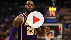 Los Lakers extrañan a LeBron en la derrota contra los Sixers