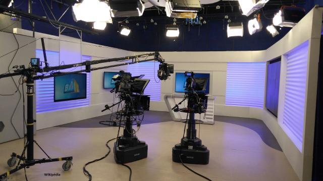 Casal de apresentadores Bruno e Leandro trabalham em emissoras diferentes