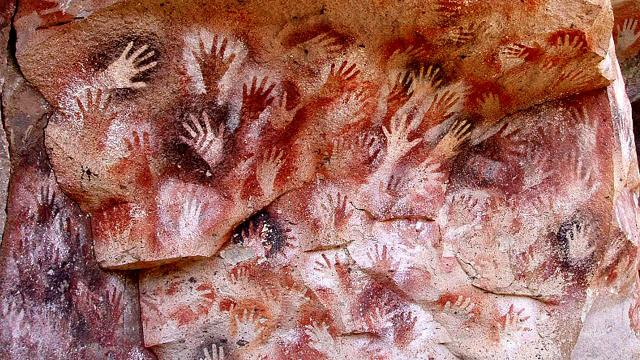 5 destinations in the world where beautiful cave art can be viewed