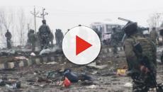 Terrorists attack Indian CRPF convoy in Kashmir, 40 jawans killed