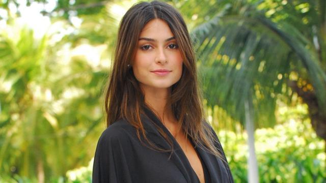 Thaila Ayala se revolta ao descobrir que atriz casada está dando em cima do seu noivo