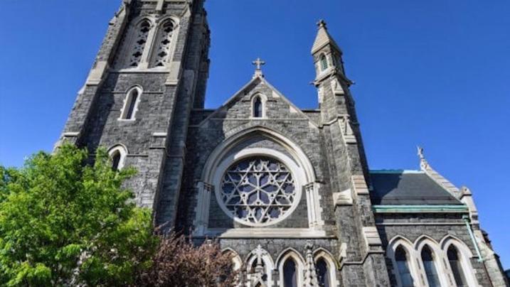 Brooklyn: la diocesi diffonde i nomi di 100 preti presunti pedofili