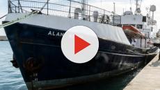 Nave di ong tedesca potrebbe caricare migranti, Salvini: 'Non si avvicini all'Italia'