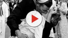 È morto George Mendosa, il marinaio del celebre bacio a Times Square