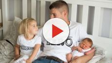 Papà muore per un tumore al cervello appena 3 ore dopo aver conosciuto la figlia neonata