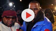 Il rapper R. Kelly si consegna alla polizia dopo le accuse di molestie sessuali
